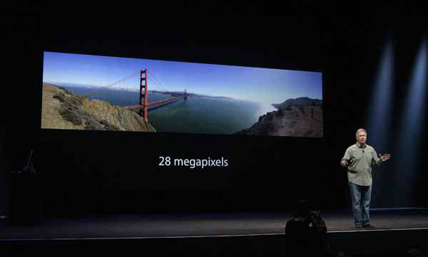 Phil Schiller, Apple&#39;s senior vice president of worldwide marketing, speaks about camera quality of the iPhone 5 during an Apple event in San Francisco, Wednesday, Sept. 12, 2012. &#40;AP Photo&#47;Jeff Chiu&#41; <span class=meta>(AP Photo&#47; Jeff Chiu)</span>