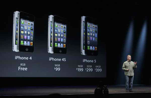 Phil Schiller, Apple&#39;s senior vice president of worldwide marketing, gives prices of the iPhone 5 during an Apple event in San Francisco, Wednesday, Sept. 12, 2012. &#40;AP Photo&#47;Jeff Chiu&#41; <span class=meta>(AP Photo&#47; Jeff Chiu)</span>