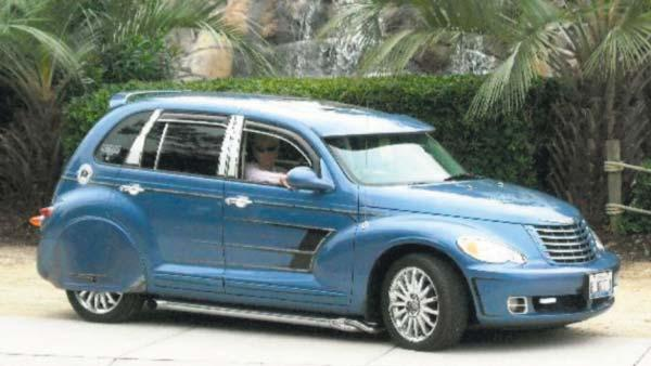 Lloyd Holland's 2006 PT Cruiser