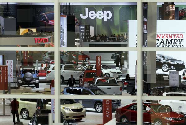 People enter the Chicago Auto Show during the first media preview day in Chicago on Wednesday, Feb. 8, 2012. <span class=meta>(AP photo&#47;Nam Y. Huh)</span>