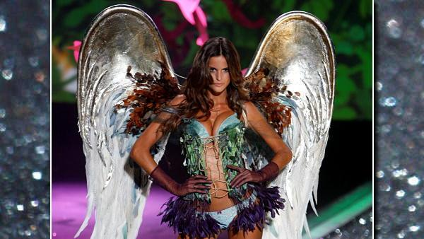 A model walks the runway during the Victoria's Secret Fashion Show at the Lexington Armory Thursday, Nov. 19, 2009 in New York. (AP Photo/Jason DeCrow)