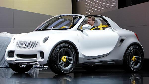 The Smart For-Us concept pickup