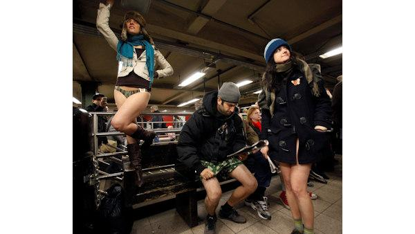 'No pants' subway ride in New York City