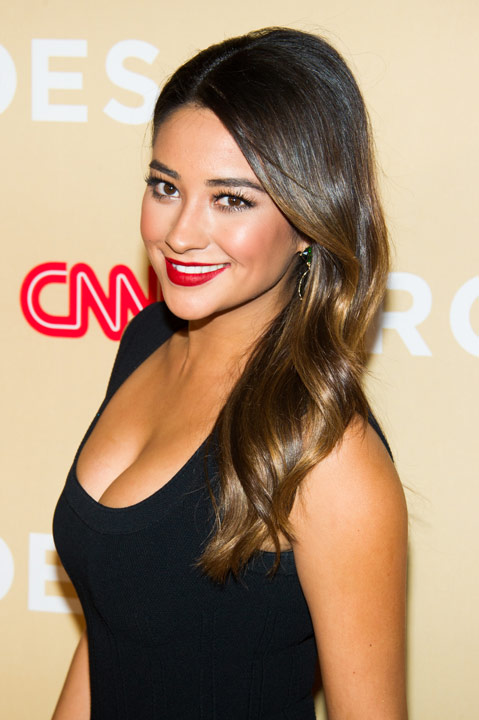 Shay Mitchell attends CNN Heroes: An All-Star Tribute on Tuesday, Nov.19, 2013 in New York. &#40;Photo by Charles Sykes&#47;Invision&#47;AP&#41;        <span class=meta>(Rumor: Puredwts.com&#47;Twitter)</span>