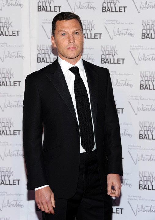 Former New York Ranger Sean Avery arrives at the New York City Ballet Fall Gala honoring fashion designer Valentino Garavani at Lincoln Center on Thursday, Sept. 20, 2012 in New York. For this one night only Valentino will create costumes for three ballets.&#40;Photo by Evan Agostini&#47;Invision&#47;AP Images&#41;        <span class=meta>(Rumor: Page Six)</span>