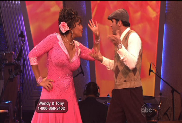"<div class=""meta ""><span class=""caption-text "">Wendy Williams & Tony Dovolani danced the Quickstep during Week 2 of Season 12 of Dancing with the Stars. They received a score of 17.</span></div>"