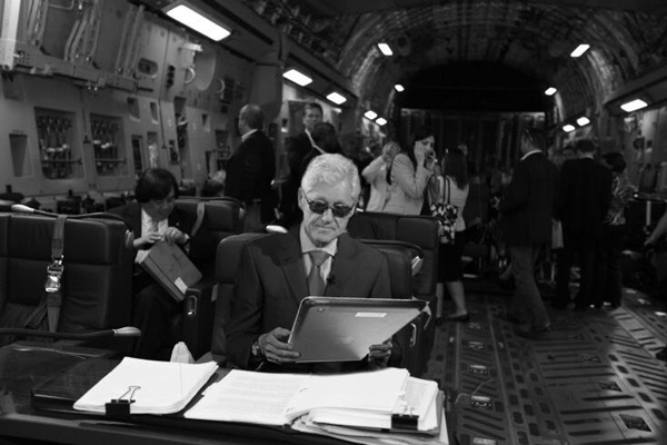 "Bill Clinton's Twitter Profile Photo    ""I'm following my leader!"" - Bill Clinton, who uploaded a photo to his Twitter account that resembled his wife Hillary's."