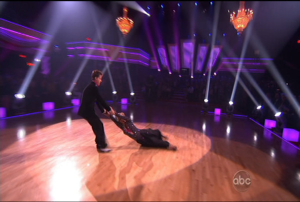 "<div class=""meta ""><span class=""caption-text "">Kendra Wilkinson & Louis van Amstel danced the Viennese Waltz during Week 4 of Season 12 of Dancing with the Stars. They received a score of 18. </span></div>"
