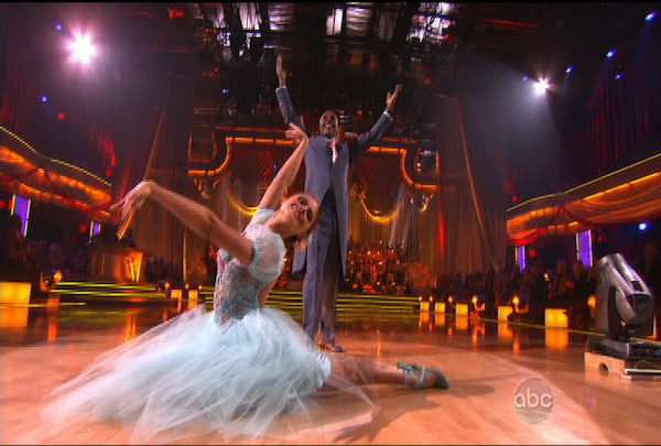 Sugar Ray Leonard & Anna Trebunskaya danced the Viennese Waltz during Week 4 of Season 12 of Dancing with the Stars. They received a score of 21.