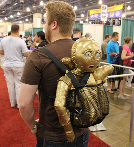 ... but it did have the damaged C3P0 in the backpack/net, which was a nice touch.