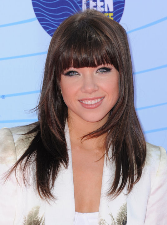 "<div class=""meta ""><span class=""caption-text "">Carly Rae Jepsen arrives at the Teen Choice Awards on Sunday, July 22, 2012, in Universal City, Calif. (Photo by Jordan Strauss/Invision/AP) </span></div>"