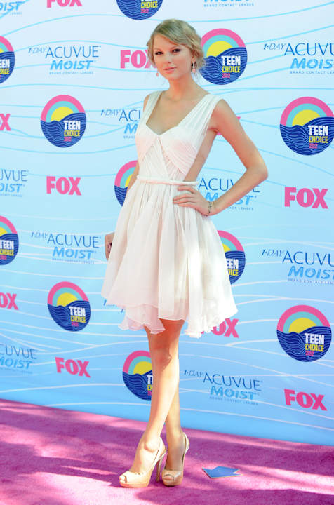 "<div class=""meta ""><span class=""caption-text "">Taylor Swift arrives at the Teen Choice Awards on Sunday, July 22, 2012, in Universal City, Calif. (Photo by Jordan Strauss/Invision/AP) </span></div>"
