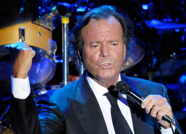 Spanish singer Julio Iglesias  performs during a concert at Cap Roig festival in Calella de Palafrugell, Spain, Thursday, Aug. 14, 2008.  <span class=meta>(AP Photo&#47;Manu Fernandez)</span>