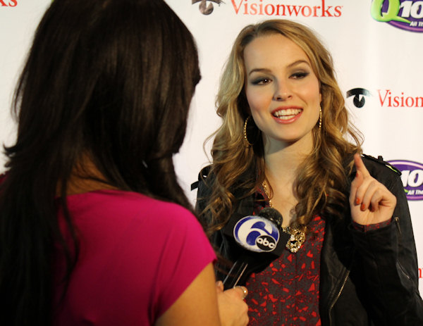 "<div class=""meta image-caption""><div class=""origin-logo origin-image ""><span></span></div><span class=""caption-text"">Action News reporter Alicia Vitarelli interviews Bridgit Mendler at Q102's Jingle Ball 2012 presented by XFINITY, at Wells Fargo Center on December 5, 2012 in Philadelphia. (6abc/Brock Koller)</span></div>"