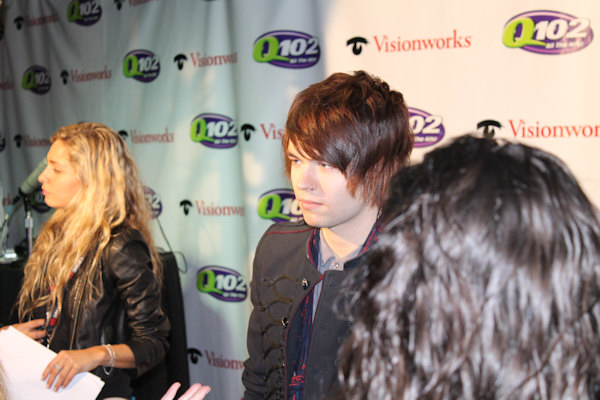 "<div class=""meta image-caption""><div class=""origin-logo origin-image ""><span></span></div><span class=""caption-text"">Action News reporter Alicia Vitarelli interviews The Ready Set at Q102's Jingle Ball 2012 presented by XFINITY, at Wells Fargo Center on December 5, 2012 in Philadelphia. (6abc/Brock Koller)</span></div>"