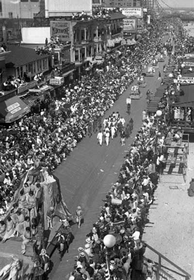 Images from the Miss America Show Us Your Shows Parade <span class=meta>(WPVI Photo&#47; Pacific and Atlantic)</span>