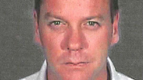 Kiefer Sutherland checks into jail