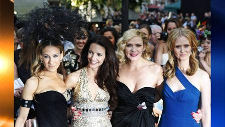 From left, U.S. actors Sarah Jessica Parker, Kristin Davis, Kim Cattrall, and Cynthia Nixon pose for photographers as they arrive for the British premiere of Sex and the City 2, at a central London cinema, Thursday, May 27, 2010. (AP Photo/Lefteris Pitarakis)