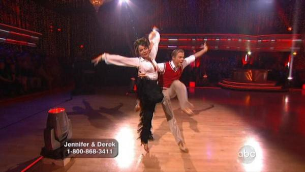 Jennifer Grey and Derek Hough, who had top scores in the first 2 weeks, scored 24 points for their Samba.
