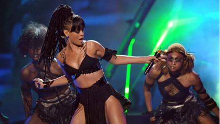 Rihanna performs onstage at the American Idol Finale on Wednesday, May 23, 2012 in Los Angeles. (Photo by John Shearer/Invision/AP)