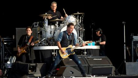 Bruce Springsteen performs at the Hard Rock Calling Festival in Londons Hyde Park, Saturday, July 14, 2012. (AP Photo)