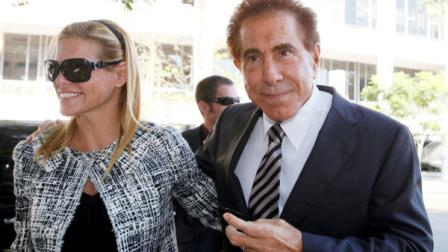 Casino mogul Steve Wynn arrives at court with his wife, Andrea, for his slander trial Thursday Sept. 6, 2012 in Los Angeles. Wynn is contesting accusations made by Girls Gone Wild creator, Joe Francis. (AP Photo/Nick Ut)