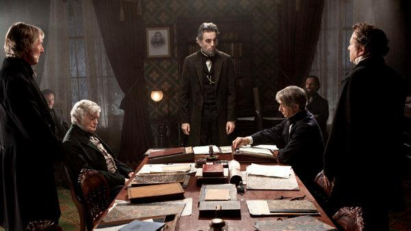 'Lincoln' leads Golden Globes with 7 nominations