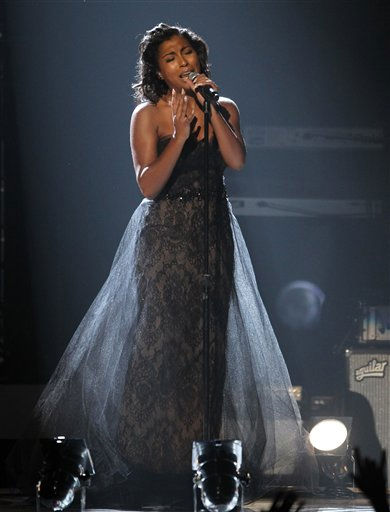Melanie Fiona performs at the BET Awards on Sunday, July 1, 2012, in Los Angeles <span class=meta>(AP Photo)</span>