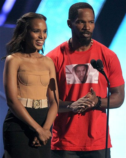 "<div class=""meta image-caption""><div class=""origin-logo origin-image ""><span></span></div><span class=""caption-text"">Kerry Washington, left, and Jamie Foxx present an award at the BET Awards on Sunday, July 1, 2012, in Los Angeles (AP Photo)</span></div>"