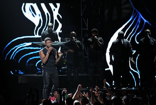 Usher performs at the BET Awards on Sunday, July 1, 2012, in Los Angeles <span class=meta>(AP Photo)</span>