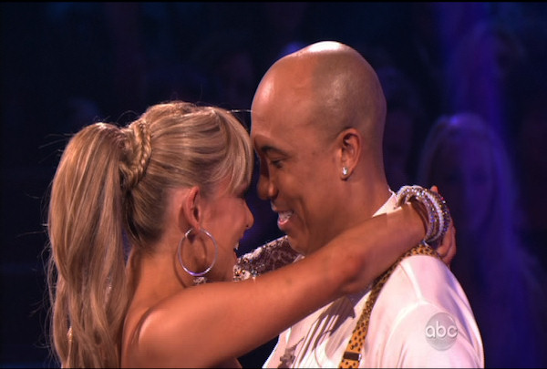 "<div class=""meta image-caption""><div class=""origin-logo origin-image ""><span></span></div><span class=""caption-text"">Hines Ward & Kym Johnson danced the Cha-Cha-Cha during Week 1 of Season 12 of Dancing with the Stars. They received a score of 21.</span></div>"
