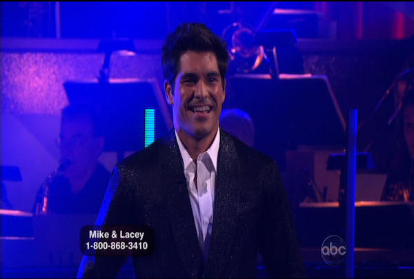"<div class=""meta ""><span class=""caption-text "">Mike Catherwood & Lacey Schwimmer danced the Foxtrot during Week 1 of Season 12 of Dancing with the Stars. They received a score of 13.</span></div>"