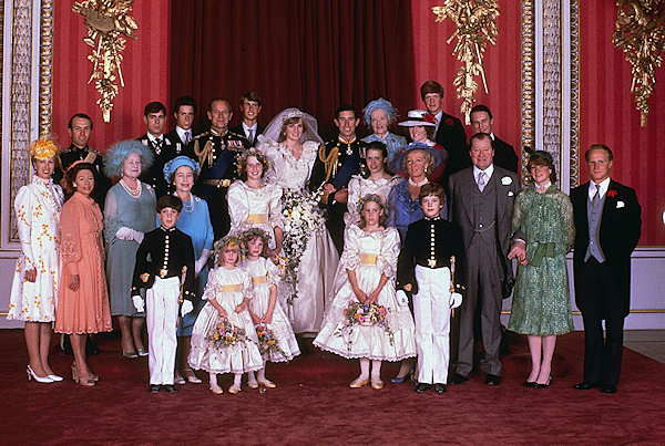 Prince Charles and his new bride Diana, Princess of Wales, pose for a family portrait with other members of the royal family, in the Throne Room of Buckingham Palace, on their wedding day July 29, 1981. <span class=meta>(AP Photo)</span>