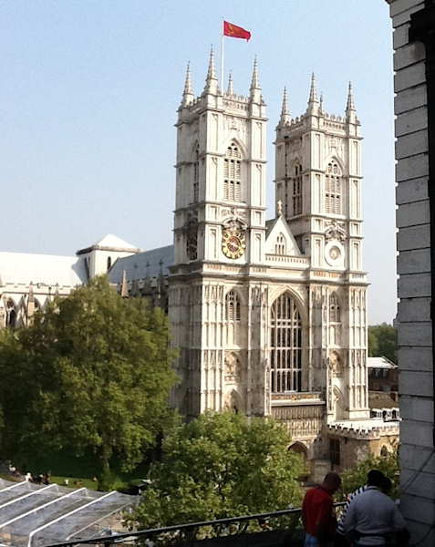 "<div class=""meta ""><span class=""caption-text "">Westminster Abbey</span></div>"
