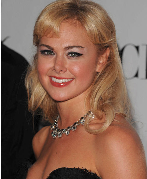 "<div class=""meta ""><span class=""caption-text "">Actress Laura Bell Bundy arrives at the 62nd Annual Tony Awards on Sunday, June 15, 2008, in New York.  (AP Photo)</span></div>"
