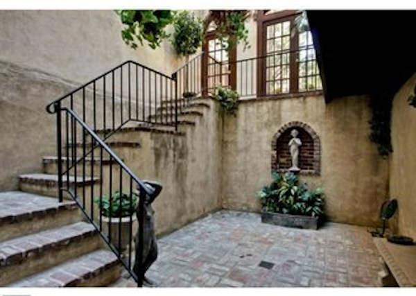 Take a look inside 228 W. Washington Square, on the market right now for $3.9 million!   Photos courtesy PhillyLiving.com