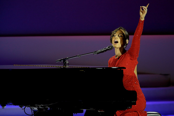 Alica Keys performs during Inaugural Ball in the Washington Convention Center at the 57th Presidential Inauguration in Washington, Monday, Jan. 21, 2013. (AP Photo/Paul Sancya)