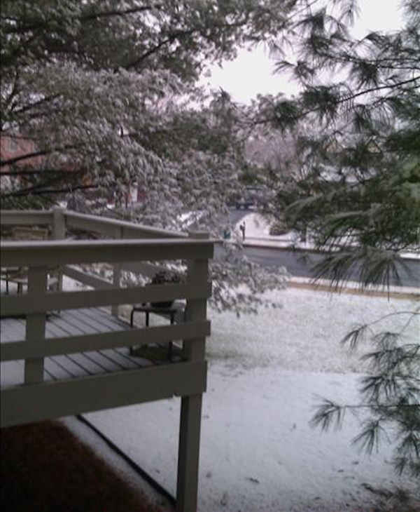 Via sendit.6abc.com - Just a coating of snow this time.  Thanks for the great weather and traffic reports. It makes my commute so much easier!  Ann