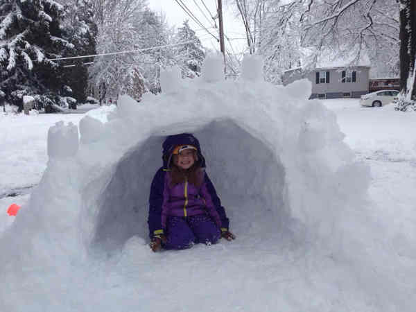 Building an igloo! #6abcsnow <span class=meta>(Kara, Warminster, Pa.)</span>