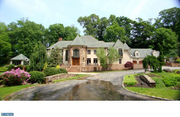"A Villanova mansion, once owned by former 76ers superstar Allen Iverson, is back on the market with an asking price of $2.9 million.  The property, listed by realtor Linda ""Z"" is located at 800 Chateau Lane."