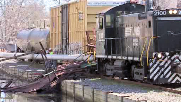 "<div class=""meta ""><span class=""caption-text "">A tree fell across the Manayunk Towpath Monday afternoon, March 19, 2012, damaging a section of the walkway and hitting a freight train. It happened at 2:00 p.m. just off Main Street near Cotton Street.  No one was injured.   </span></div>"
