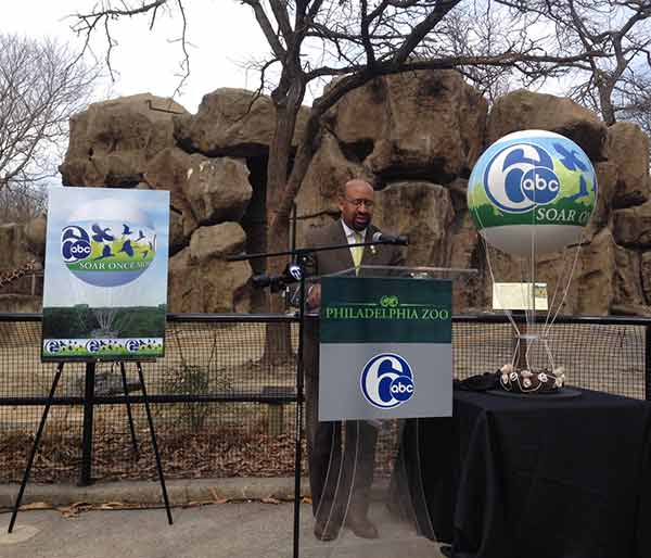 Mayor Michael Nutter announces the return of the Channel 6 ZooBalloon.