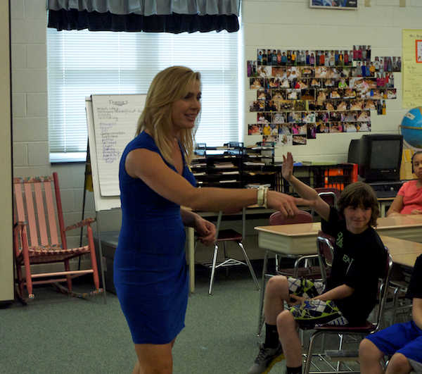 Karen Rogers speaks to 5th graders at Moorestown Elementary  <span class=meta>(Action News)</span>