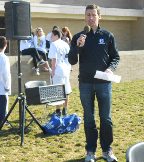 "<div class=""meta ""><span class=""caption-text "">Brian Taff emcees the Adam R. Spector Foundation's Walk to Win for Hodgkin's lymphoma research.</span></div>"