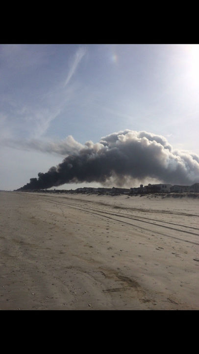 "<div class=""meta image-caption""><div class=""origin-logo origin-image ""><span></span></div><span class=""caption-text"">Action News viewers captured photos of the flames and smoke in Sea Isle, New Jersey on April 18, 2014. (Susiestop via Sendit.6abc.com)</span></div>"