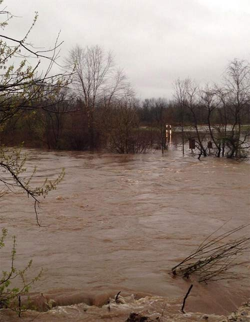 "<div class=""meta image-caption""><div class=""origin-logo origin-image ""><span></span></div><span class=""caption-text"">One more picture of the Perkiomen creek flooding... #6abcflood (@Katelyn_McCabe)</span></div>"