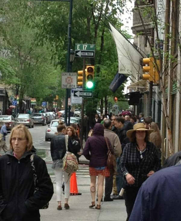 This was the scene at 17th and Walnut in Center City Philadelphia on Wednesday, May 2nd as production crews filmed part of the movie &#34;Dead Man Down.&#34;  <span class=meta>(Dead Man Down movie shoot in Philadelphia)</span>