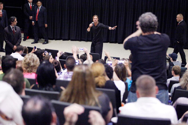 """Brad Pitt stops by a special fan screening of #WorldWarZ in Philadelphia""  - @WorldWarZ tweeted this photo of  Brad Pitt surprising fans at the screening of World War Z in King of Prussia on June 6, 2013."