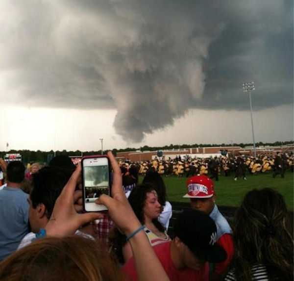 "<div class=""meta ""><span class=""caption-text "">A storm broke up the Absegami High School graduation in Galloway Township, New Jersey on Thursday, June 7, 2012. (Daniel/Twitter)</span></div>"