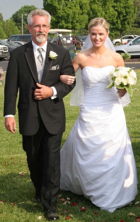 Action News Producer Stephanie McCann and her Dad Jeff Kirk on her wedding day in 2007. <span class=meta>(Action News Producer Stephanie McCann and her Dad Jeff Kirk)</span>